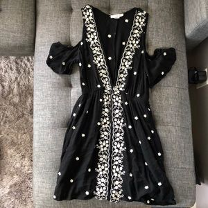 Embroidered boho cold shoulder festival dress Sz S